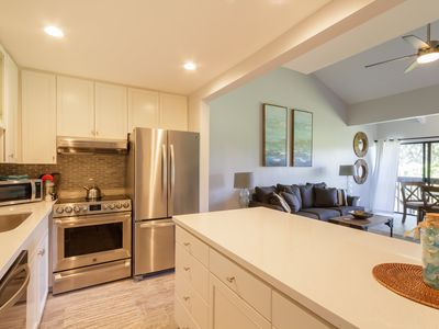 Upscale Executive Retreat--Newly Renovated and Air Conditioning!
