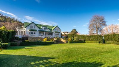 Derwent River Villa - Absolute Waterfront, Hobart