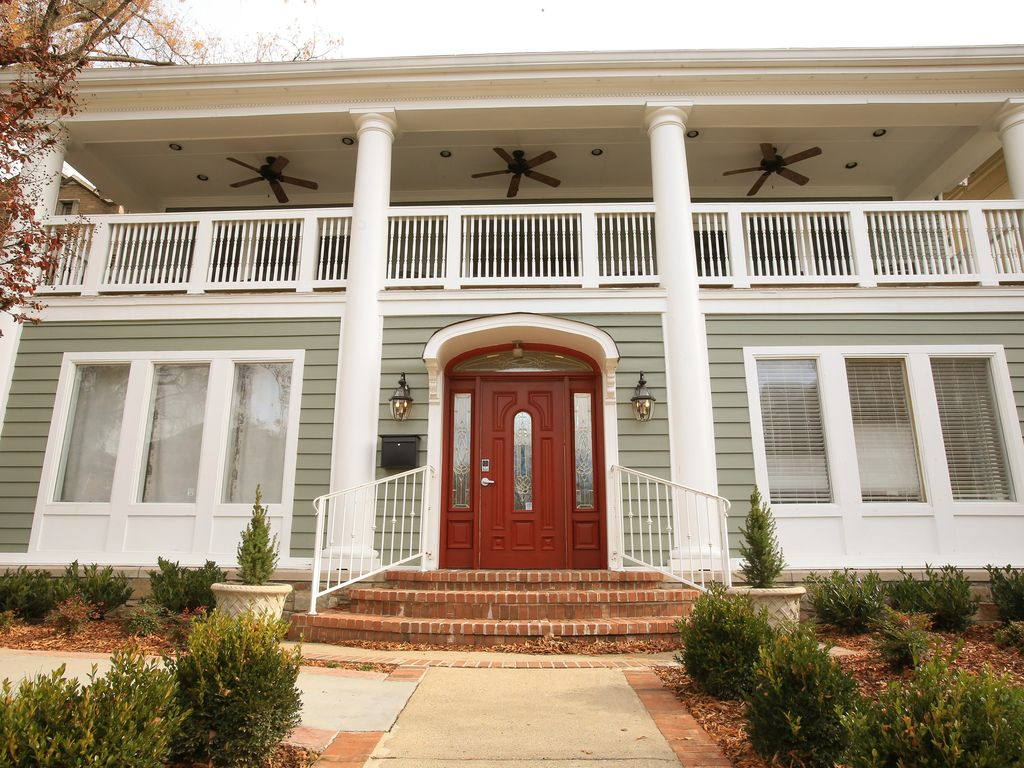 Classic southern mansion on historic music vrbo for Old house music classics