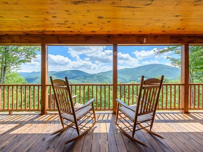 Photo for 3BR Log Cabin, Big Views, Hot Tub, Fire Pit, Master on Main, 8 Miles to Boone, Minutes to Hiking / Rafting
