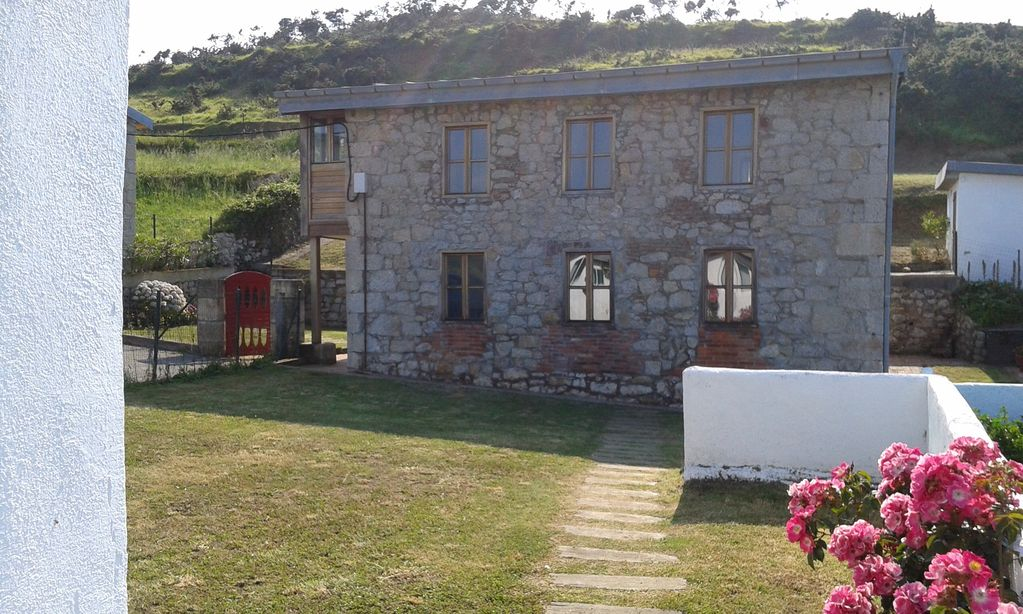 The best rated property in Asturias. Beach downstairs. Unique views.