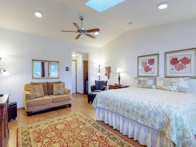 Photo for Romantic oceanfront suite - dog-friendly with great views!