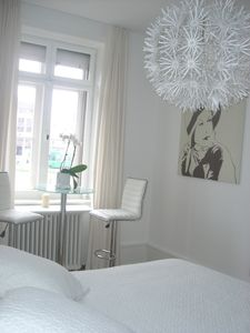 White Room: double bed, only by renting the whole