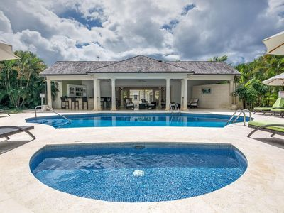 Photo for Modern Open-Plan Villa, Swimming Pool and Plunge Pool, Jacuzzi, Short Walk to the Beach