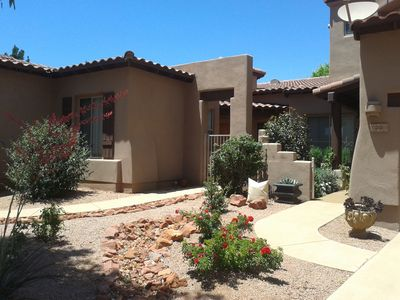3-bedroom patio home in scenic Sedona, pool, close to hiking trails, shopping.
