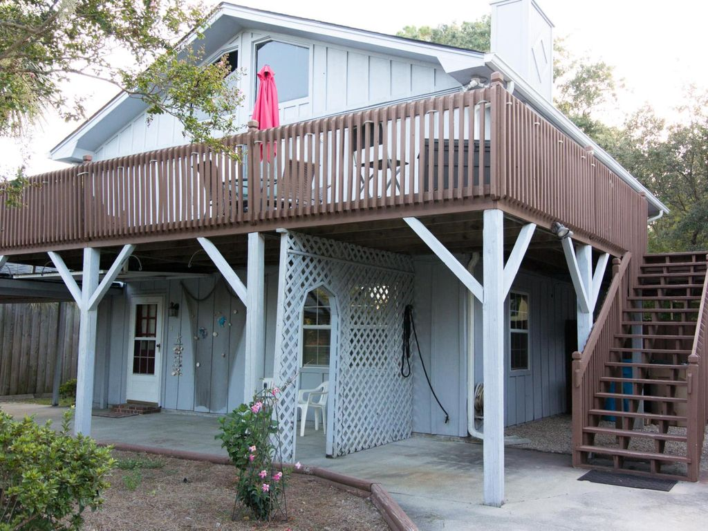 Vrbo Tybee Island 1 Bedroom Pet Friendly And Beachy Quot Sandy Claws Quot Is T Vrbo