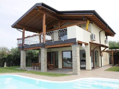 Photo for Holiday house With private pool and lake view