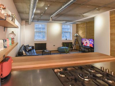 Photo for Loft Style Apartment in Central London! 2br!