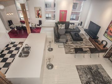 Luxury 3 Floor Penthouse With Private Roof-deck In Downtown Boston