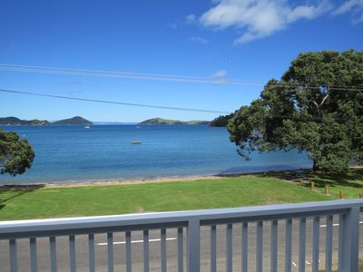 Photo for Beachfront Bliss - Great Swimming - Boat Ramp - 6.5kms from Coromandel Township