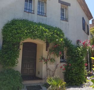 Photo for Charming villa in the center of Antibes