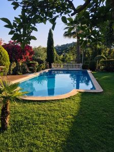 Photo for Charming villa air-conditioned 400m from the beaches - large pool - 6 people