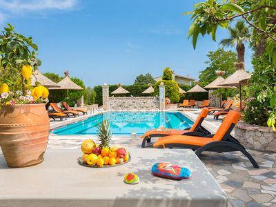 Photo for POOL, BBQ, JACUZZI, GARDEN for relaxing holidays