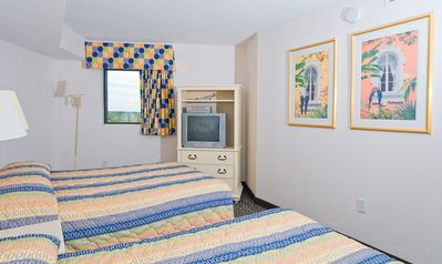 · Relaxing Angle Oceanfront Condo | Spacious Balcony | Close to many Attractions