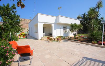 Photo for Villa spacious and light those seeking relaxation just a few kilometers from the center of Bari