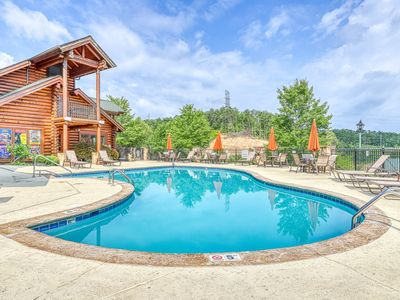 Photo for Comfortable condo w/ a gas fireplace & shared pool directly on golf course!