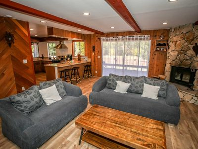 Photo for House 407 m from the center of Big Bear Lake with Parking, Internet, Balcony (983564)
