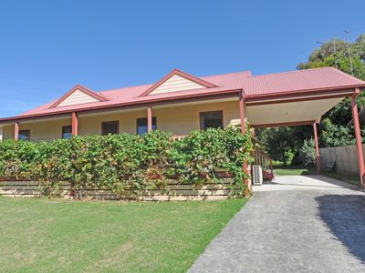 Photo for BEILBY BEACH COTTAGE - FREE WIFI & FOXTEL - PET FRIENDLY (OUTSIDE ONLY)