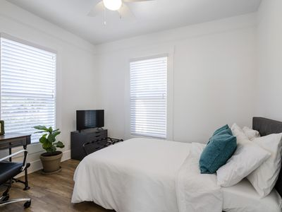 Photo for Bedroom with private bath available in 3 bedroom, 2 bath home