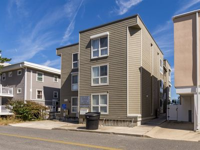 Photo for Silver Sands 102-South 3 Bedroom - Oceanfront Sleeps 7