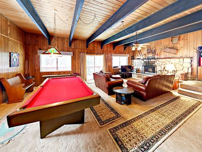 Living Area - Welcome to Truckee! Rack up a full-size pool table in the living area!