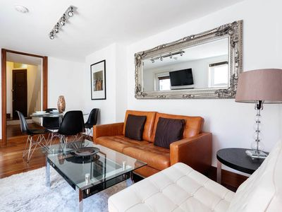 Photo for Beautiful and fresh Hammersmith apartment with access to garden (Veeve)
