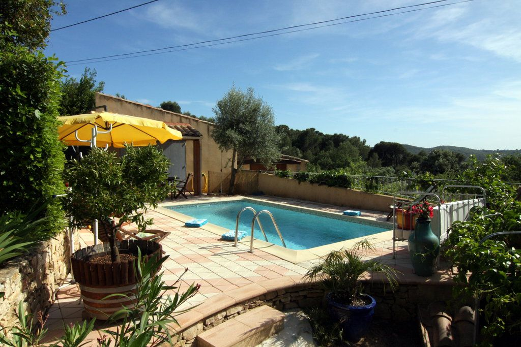 Holiday Cottage With Heated Swimming Pool In V N Jan 1402772