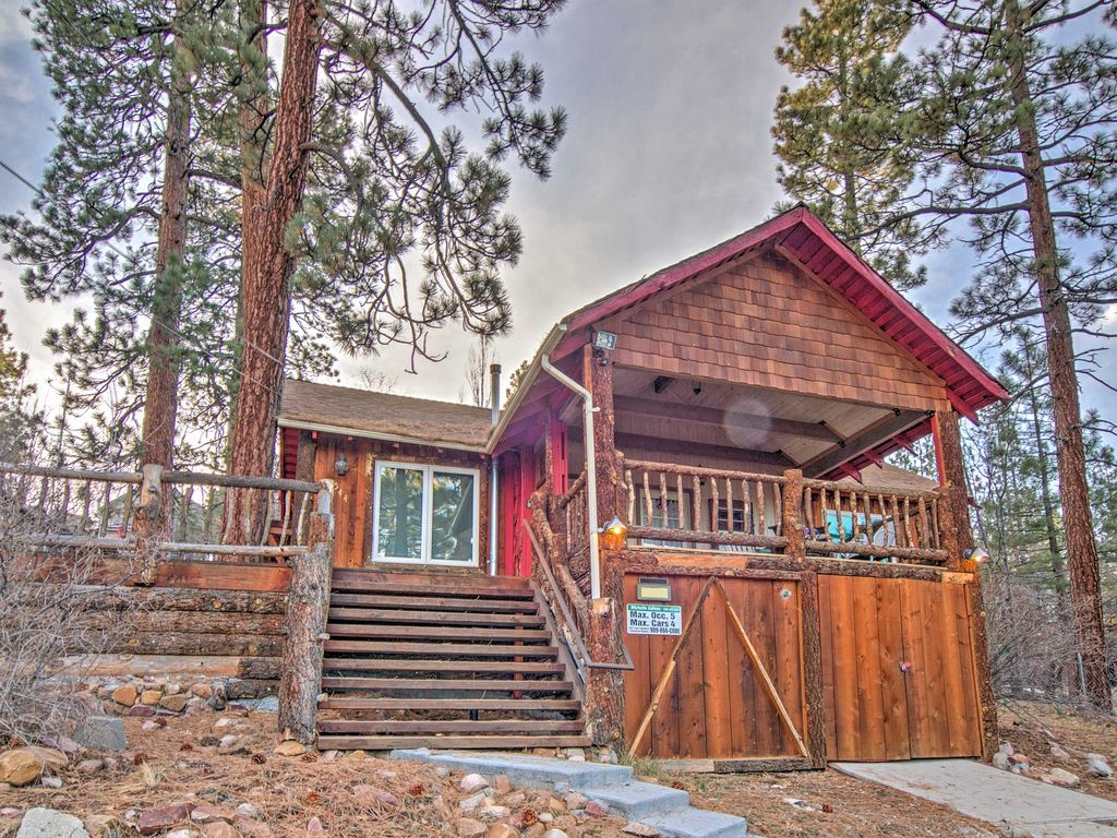 Cozy 2br big bear cabin with lake views homeaway big for Big bear 2 person cabin
