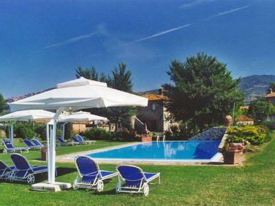 Photo for Independent Apartment in Farmhouse with private garden and pool- Cortona