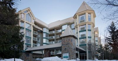 Blackcomb Ski-In/Ski-Out Condo (Unit 420) WEEKLY RATE $2100/ DATES AVAIL Feb 23-March 8/20