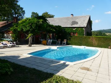 Les Olières: old farmhouse, fully renovated, 100 privacy, exceptional location.