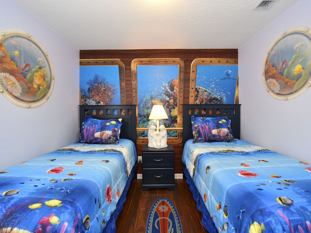 Luxury Disney Themed Villa Pool Games Room 3 Miles From