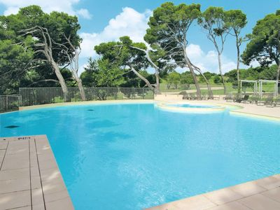 Photo for 2 bedroom Apartment, sleeps 6 in Saumane-de-Vaucluse with WiFi