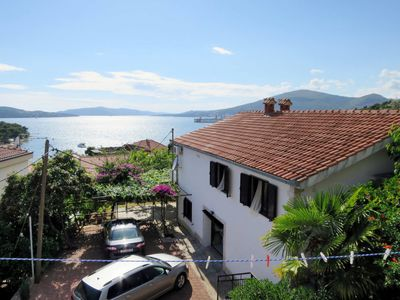 Photo for Apartment Gustin (TGR210) in Trogir - 5 persons, 2 bedrooms