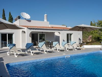 Photo for Beautifully renovated three bedroom villa in walking distance from Carvoeiro