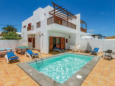 Photo for Comfortable villa with 2 en suites and a pool, conveniently close to the beach and town