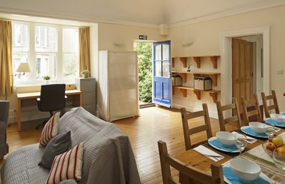 Photo for Spacious cottage in the heart of Cambridge, sleeps 4