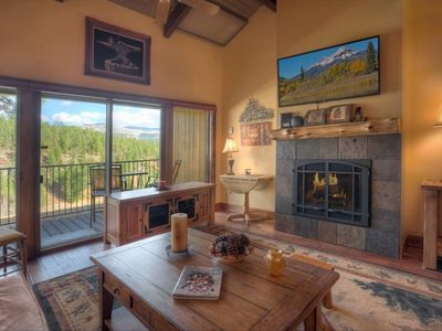 Photo for Mountain Luxury Condo for Two Golf, Pool, Hot Tub and Fitness Room