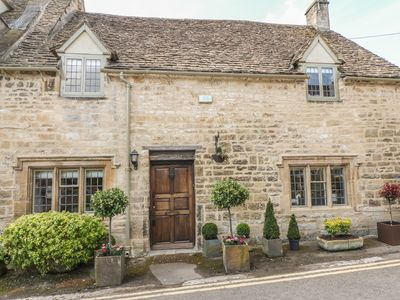 Photo for Bull Cottage, Burford