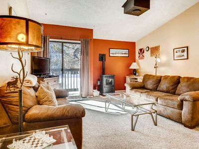 Photo for 2BR (plus loft), 2BA Frisco Condo - Walk to Shops, Minutes to Skiing