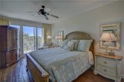 2nd Floor Unit With Stylish Decor That Sleeps Six Guest Comfortably