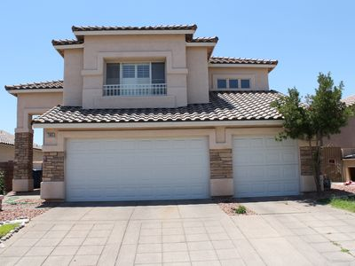 Photo for LOVELY HOME 10 MINS FROM THE STRIP!