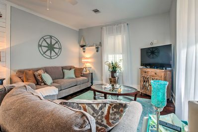 Enjoy a Lone Star State getaway at this 3BR, 2BA vacation rental cottage!