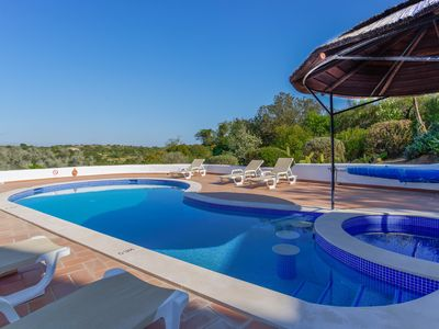Photo for 3BR Villa Vacation Rental in Lagoa, Faro District