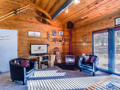 Photo for Cute Sunriver Cabin, A/C, Hot Tub, Short Walk to Village, Starbucks- COYO08