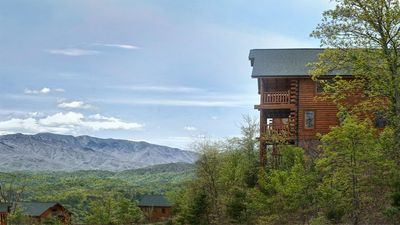 Photo for Our Smoky Mountain View, Free Wifi, fitness room, shuffleboard