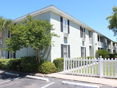 Terrific Beach Getaway! Great Location! Sleeps 2-4!