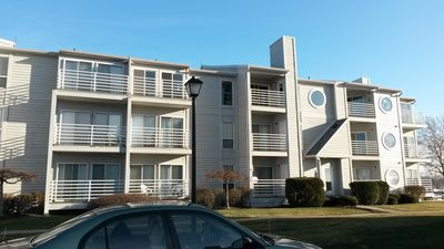 Port Clinton paradise! Newly renovated 2BR/1 bath condo on Lake Erie