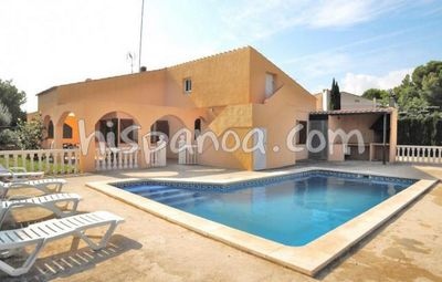 Photo for Rentals on the Costa Dorada villa with secure pool by the sea