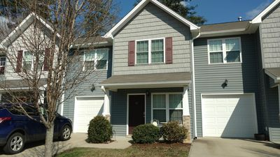 Photo for 3BR/2.5 bath Townhome. 2 mi from Airport, family friendly and quite area.
